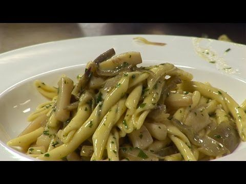 How to make cuttlefish and artichoke pasta | by Theo Randall - YouTube