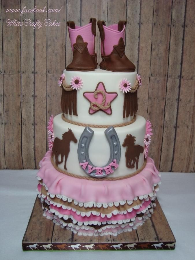 Cowgirl Cake - Cake by Toni (White Crafty Cakes)
