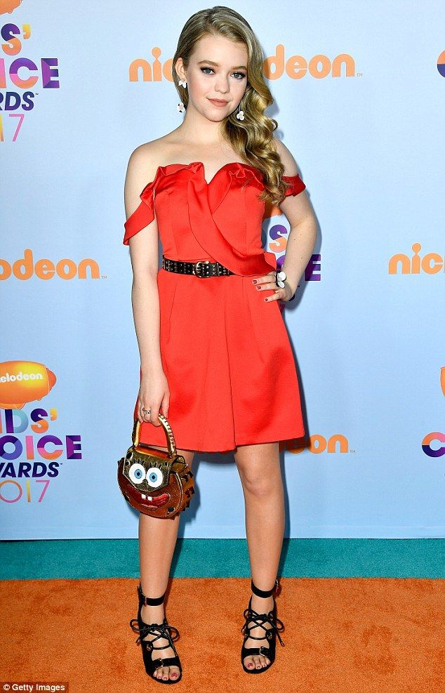 On fire! Actor Jade Pettyjohn wowed in an off-the-shoulder party dress at Nickelodeon's 2017 Kids' Choice Awards on Saturday