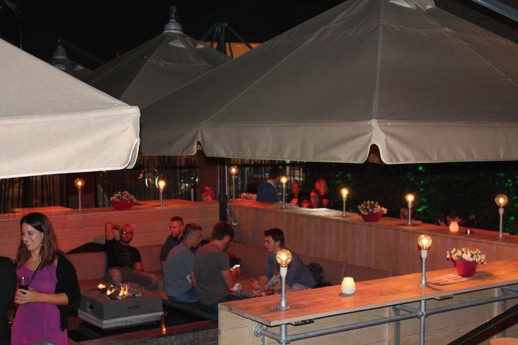 17 beste afbeeldingen over het postkantoor caf restaurant goes op pinterest nacht for Lay outs terras van het restaurant