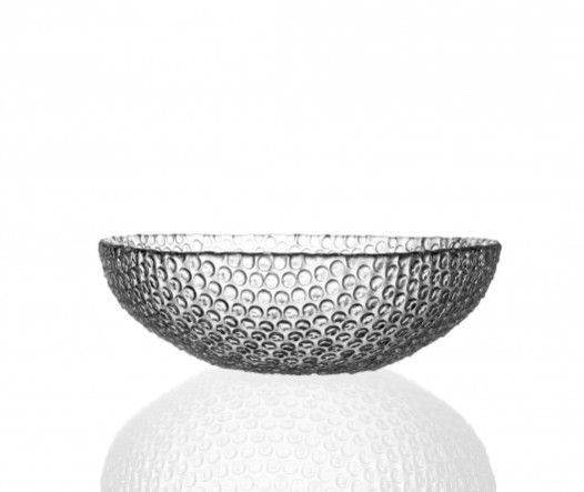 """Rony Plesl navrhl pro firmu BOMMA speciální mísu z lisovaného skla, je inspirovaná """"bublinkovou"""" fólií, která chrání předměty při transportu, jako dárek ideální  #diary #czechdesign #design #vanoce #darky #jezizesk #art #gift #christmas #czech #designer #ronyplesl #bomma #original #glassdesign #instadesign #online #eshop #xmas #buylocal #designshopping #bubble #bowl #glass Více o mimořádném online prodeji CZECHDESIGN na: http://6b.cz/s.php?U2p"""