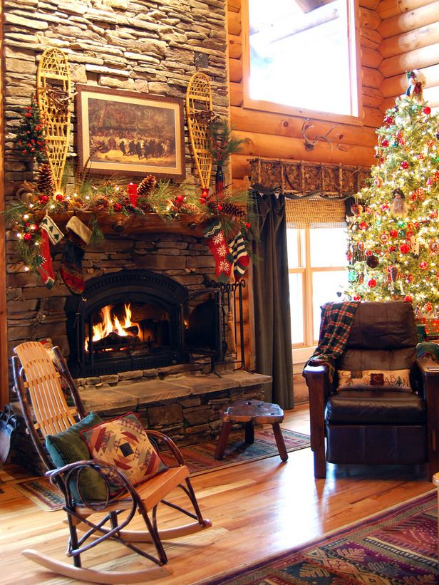 loving this christmas cabinStones Fireplaces, Holiday Ideas, Decor Ideas, Christmas Fireplaces, Cabin Christmas, Country Christmas, Christmas Decor, Logs Cabin, Cozy Christmas