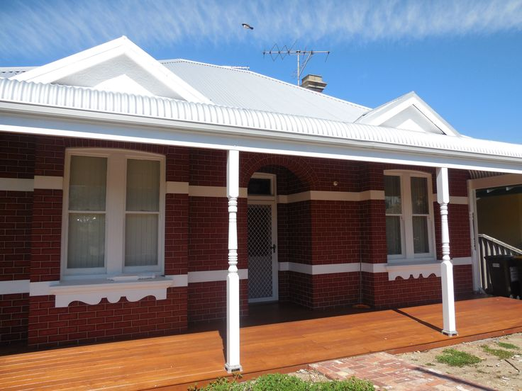 What a difference a bull nose veranda and deck makes to this Perth federation home built by Castlegate Home Improvements.