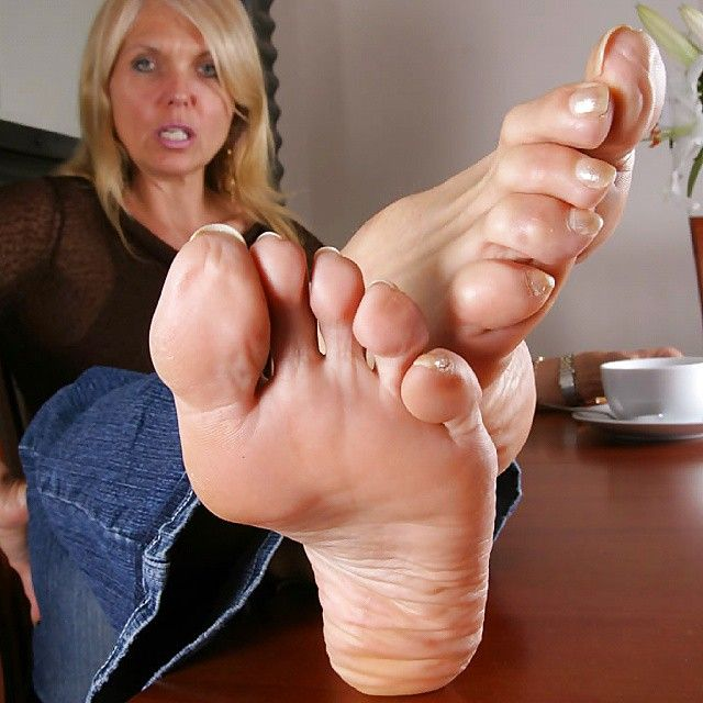 Mature Woman Foot 120