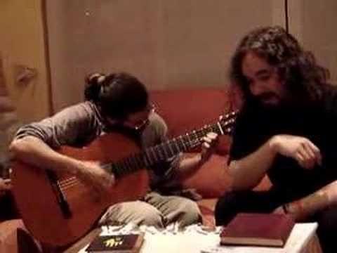 La vida es linda - Negro y Blanco  Mis amigos Mario y Christian... qué recuerdos, las veces que habremos cantado en guitarreadas... un abrazo, chicos.