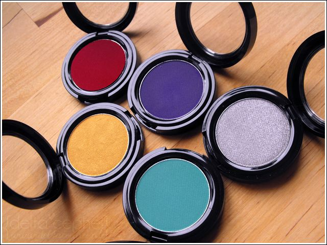 Stargazer Cake Eyeliner Turquoise, Silver, Violet, Red & Gold.