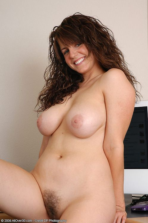 naked hot curvy hairy women