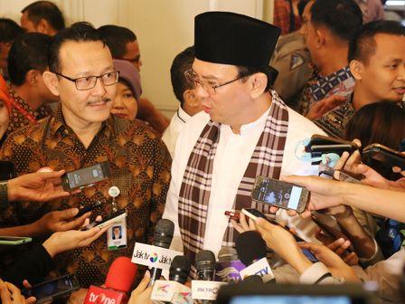 Gubernur DKI Jakarta, Basuki Tjahaja Purnama akan melaporkan pengadangan truk sampah yang akan masuk ke Tempat Pembuangan Sampah Terpadu (TPST) Bantar Gebang. Pasalnya kejadian itu merugikan Pemprov DKI Jakarta.