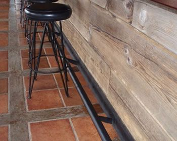 Kitchen Island Metal Footrest Bar Google Search Kitchen Post Restaurant Decor Bar Stools
