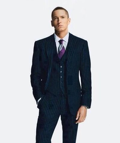 Okay, I have to say I never thought I would see Eminem in a tux. It's very, very attractive! (: