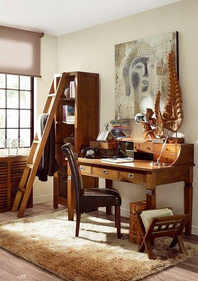 Tato pracovna je sestavena z nábytku kolekce STAR, jedná se oručně vyráběný masivní nábytek z koloniálního dřeva MINDI hrubé kresby. Je vhodný do moderního i do rustikálnějšího prostoru, který potřebuje oživení v podobě masivního dřeva v teplé dubové barvě.