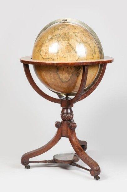 Les 45 meilleures images du tableau boite de compas instruments scientifique boxed set of - Tatouage globe terrestre ...