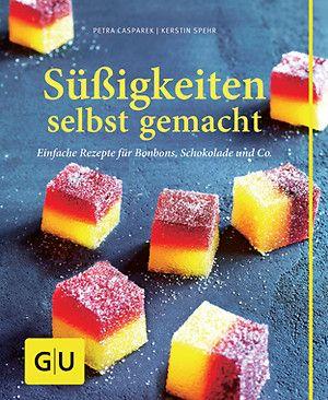 """© Jana Liebenstein / GU Verlag Mit dem kunterbunten Buch der Dessert-Spezialistinnen Kerstin Spehr und Petra Casparek können sich Naschkatzen endlich den Kindheitstraum vom eigenen Bonbonladen erfüllen: Honig-Mandel-Marshmallows, Rice-Crisp-Banana-Bars und Pistazien-Turron sind ein köstlicher Anfang. (""""Süßigkeiten selbst gemacht"""", 128 S., GU Verlag, 9,99 Euro)"""