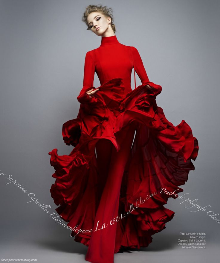 Sasha Luss in vivid red for Harper's Bazaar en Espanol