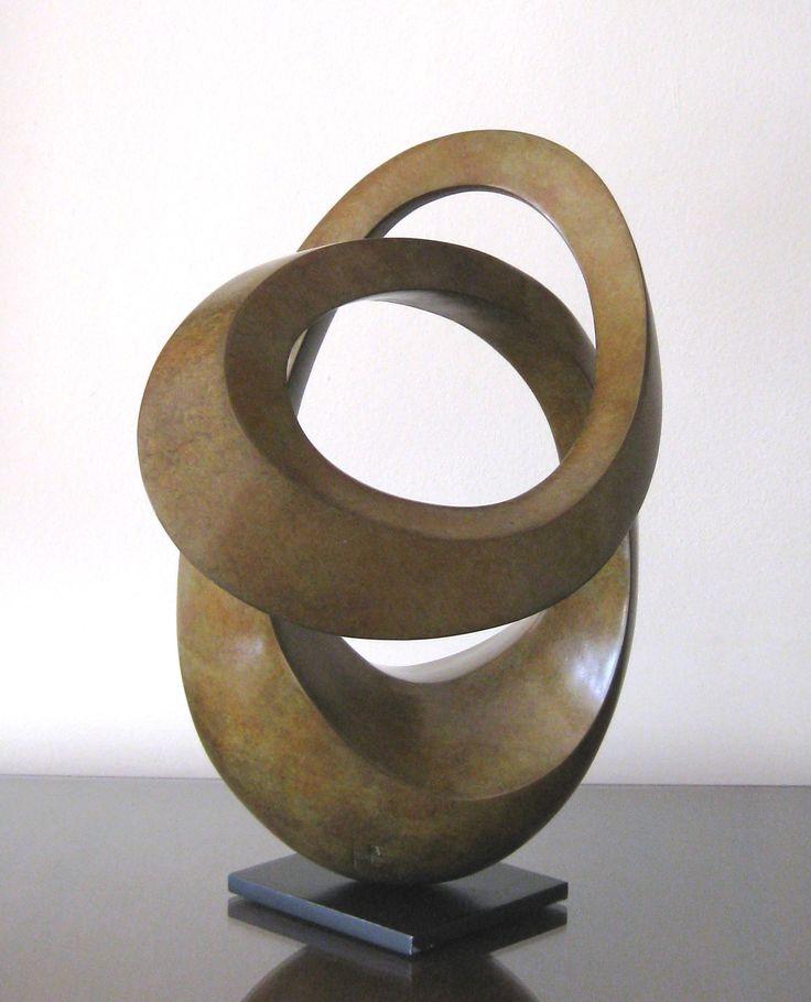 'O de là' by contemporary French sculptor Edouard Hervé