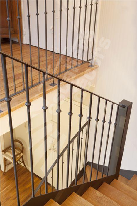 photo dt78 esca droit 174 2 quartiers tournants sans contremarches escalier en acier et bois