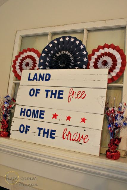 Millwork Repurposed | 4th of July decor with repurposed pallet and window panes | Bayer Built Woodworks