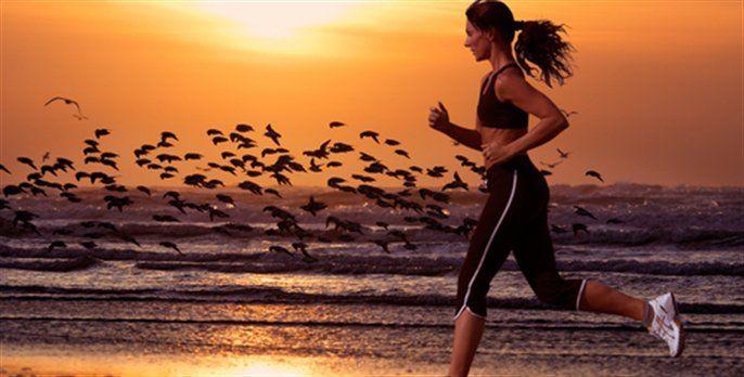 Vocês sabiam que praticar exercício físico por 5 minutos ao ar livre pode mudar o nosso dia, o nosso humor e a nossa auto-estima positivamente?!  Venham saber mais!pratique_5_minutos_de_exercício_ao_ar_livre-carol_magalhães-2