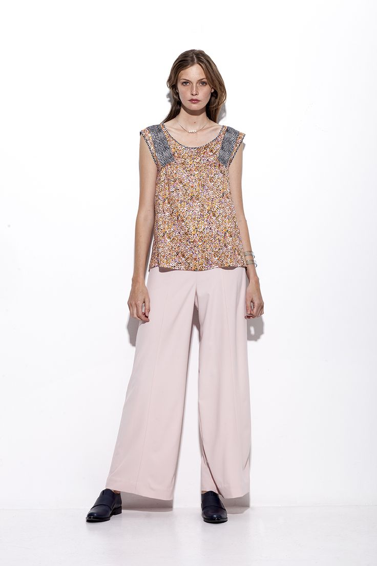 Bogelund-Jensen´s SS15 collection: The incertion blouse comes as a dress too with broad soft Rose trousers