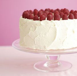 Classic Vanilla Layer Cake with Vanilla Mascarpone Frosting & Raspberries #vday #recipe #baking