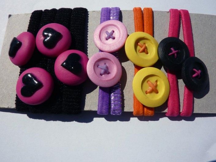 Hair-laces with colored buttons and hearts in polymer clay handmade - Lacci per capelli con bottoni colorati e cuori in fimo fatti a mano