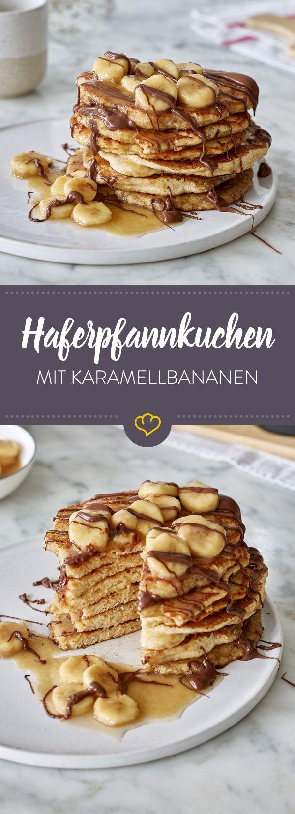 Haferpfannkuchen sind ein besonders günstiges und schnelles Essen. Mit Bananen, Karamell und Nutella getoppt sind sie als süßes Gericht einfach unschlagbar.