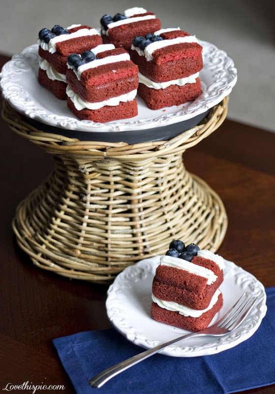 July 4 red velvet cake - firework - North Central Industries - www.greatgrizzly.com - MUNCIE INDIANA WHOLESALE FIREWORKS