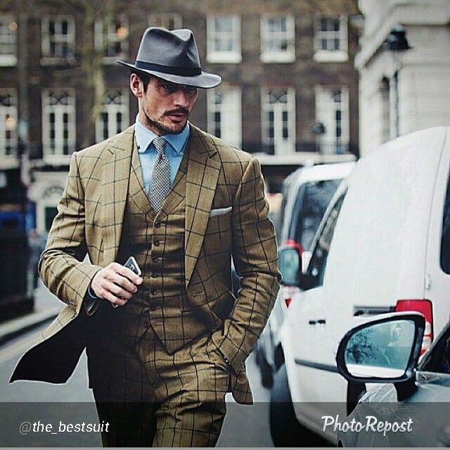 """By @the_bestsuit """"#menssuit#menstyleguide#micosfashion#modamasculina#mensaccesories#mnswr#menswear#menwithclass#elegant#chic#cute#felixflair#fashiorismo#highfashionmen#gentlemanstyle#victorypalace#bespoke#thebestsuit#dapper#dapperedman#details#love#suit#suitup#sprezzatura#sshomme#tagsforlikes#pitti#milanstyle#italianstyle"""" via @PhotoRepost_app"""