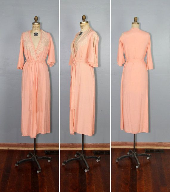 1940s Dressing Gown: 1940s Silk Robe / Dressing Gown / Lace / PEACHES And CREAM