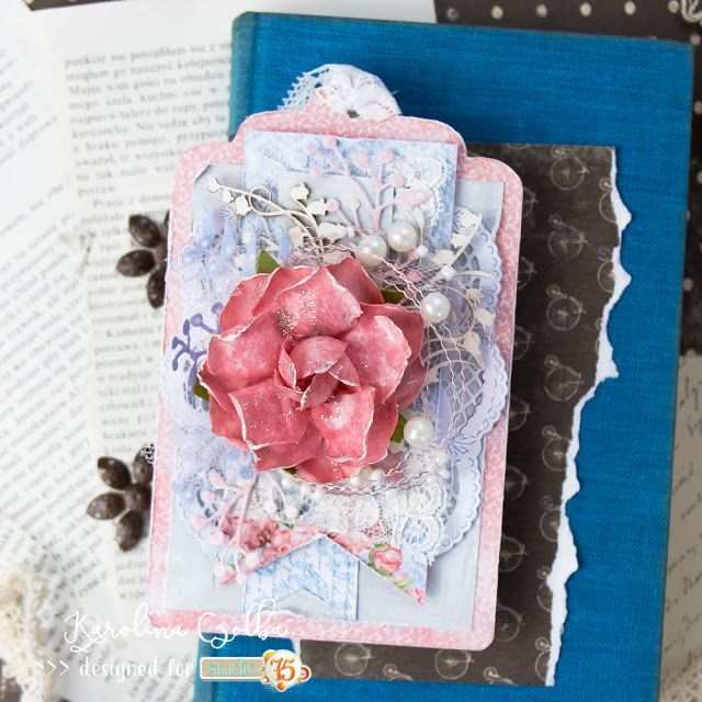 Scrapbooking tag made with Studio 75.pl papers. Lace wire and pearls