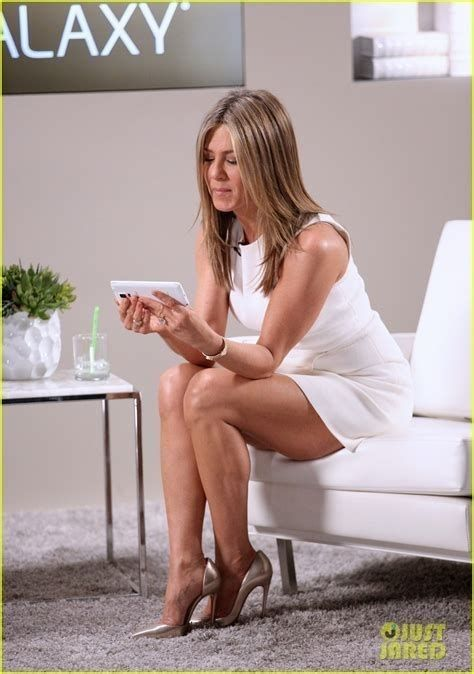 Pin by David Mcdonald on J Aniston | Jennifer aniston legs