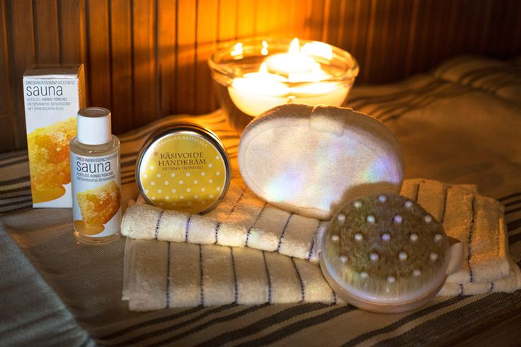 Pesu- ja hyvinvointisetti Hunaja sisältää: 2 kpl Vaalea kasvopyyhe 1 kpl Ylellisen pehmeä Luffa pesusieni 1 kpl Hierova pesusieni 1 pullo saunatuoksu Hunaja-Fenkoli 1 kpl Hunaja käsivoide http://www.iozzu.com/tuote-osasto/saunasetit/ #sauna #joululahja #lahjaideat