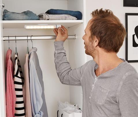 Fabulous Begehbarer Kleiderschrank als Einbau In einen Raum Sieht wie ein eigenst ndiger Raum ist es aber