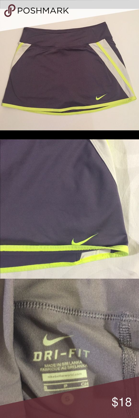 Women's Grey And Neon Yellow  Nike Golf Skirt Women's Nike Grey And Yellow Golf Skirt, Brand new no signs of wear! Women's size small, always open to offers! Nike Skirts Mini