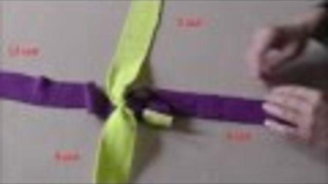 DIY: hondenspeeltje maken van stroken fleece. Ook leuk als cadeautje! - Instructies - Weethetsnel.nl