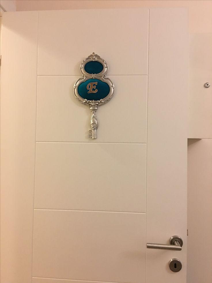Gümüş mavi kadife kapı süsü.Door beatiful.