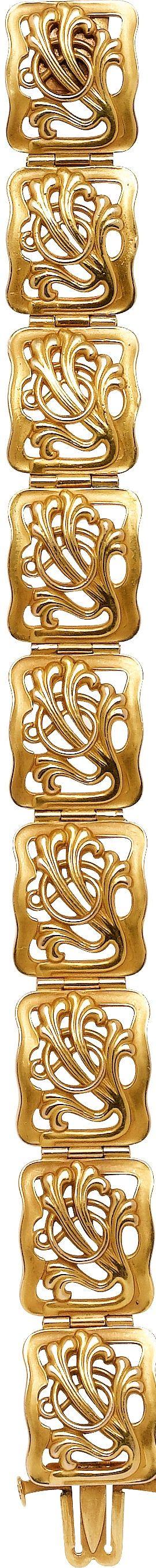 Art Nouveau Gold Bracelet The 14k gold bracelet weighs 29.19 grams.