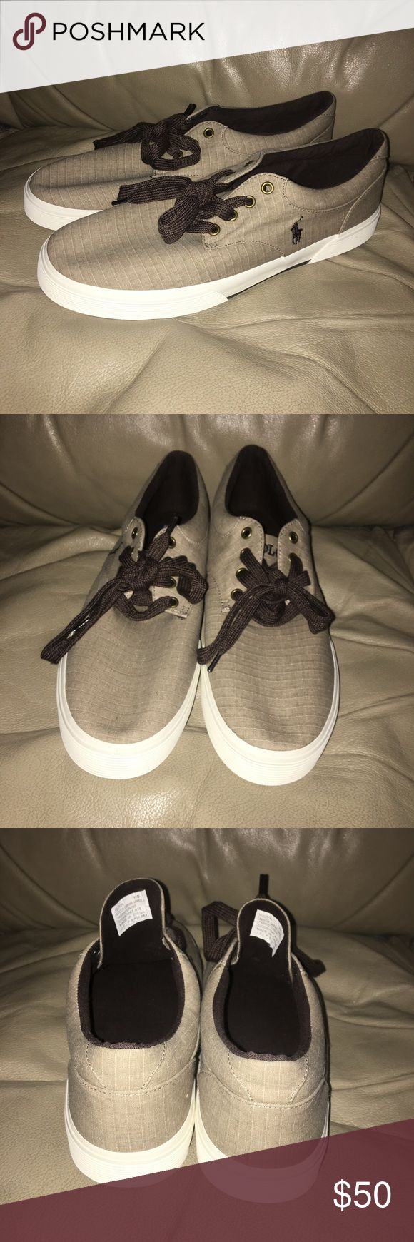 Men's Polo Shoes Size 11D Men's Polo Shoes Size 11D, these shoes are in excellent shape & show no signs of wear. Polo by Ralph Lauren Shoes Sneakers