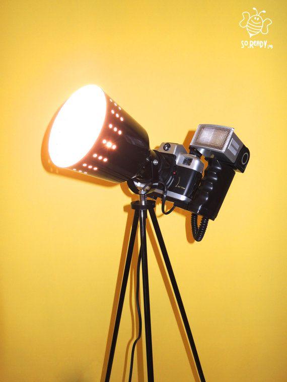 Lampada Vintage, Macchina fotografica #table_lamp #upcycling #photo #camera #funny #soreadystyle - di So.Ready Lab - soreadylab.etsy.com