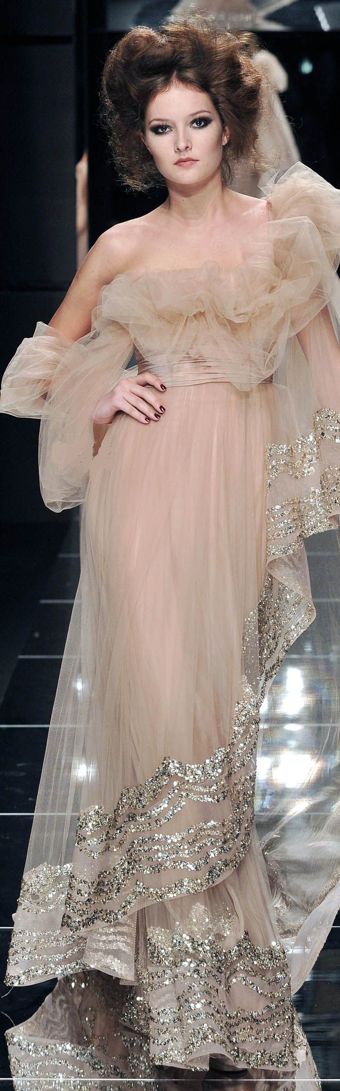 Elie Saab #sparkle #gown #celestialstyle
