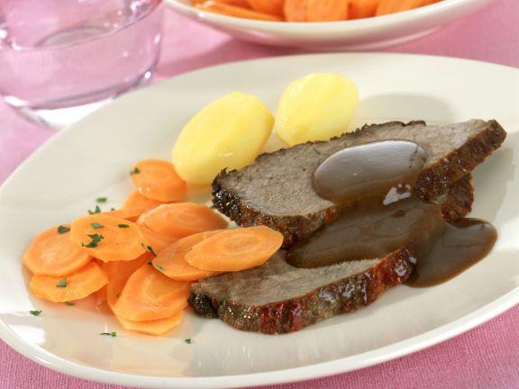Rinderbraten im Römertopf ist ein Rezept mit frischen Zutaten aus der Kategorie Rind. Probieren Sie dieses und weitere Rezepte von EAT SMARTER!