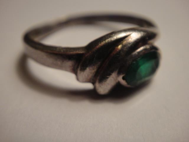 925 sterling silver ring lab grown cut EMERALD vintage 17mm diameter stunning
