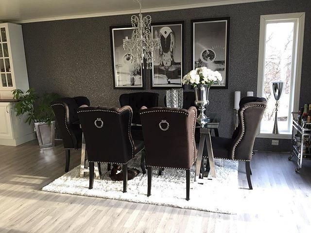 WEBSTA @ monicas_home - F r i d a y 💫🌞💫Have a Good One 👯〰〰〰〰〰〰〰〰〰〰〰〰Moter meg opp til husvask 🙊Bare meg og minstemann hjemme i helgen, rolig kosehelg 💙Ønsker dere en hærlig fredag og en riktig god helg 👯〰〰〰〰〰〰〰〰〰〰〰〰#diningroom #wallporn #wallpaper #walldecor #black #silver #grey #home #homestyle #homeinspo #homedecor #homedesign #homedecoration #homestyling #decor #decorate #decorating #inspire #inspiring #inspiration #inspire_me_home_decor #inspired #interior #interior123…