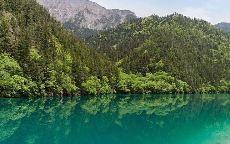 Lake Jiuzhaigou Travel Image
