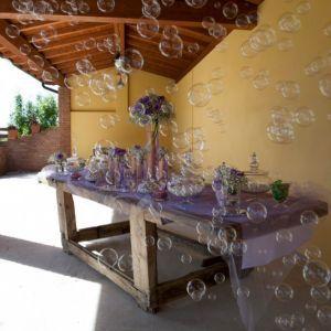 Confettata su tema lilla per sposi