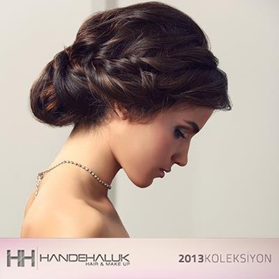Gece kıyafetlerinizi şık aksesuarlar ve alımlı topuzlar ile birleştirin, güzellik rüzgarları estirin…  #topuz #sac #moda #stil #hair #handehaluk #hairstyle www.handehaluk.com