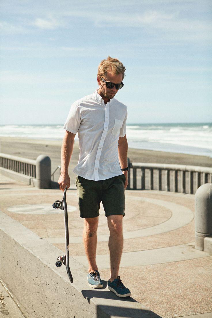 30代メンズ着こなし夏は白シャツで