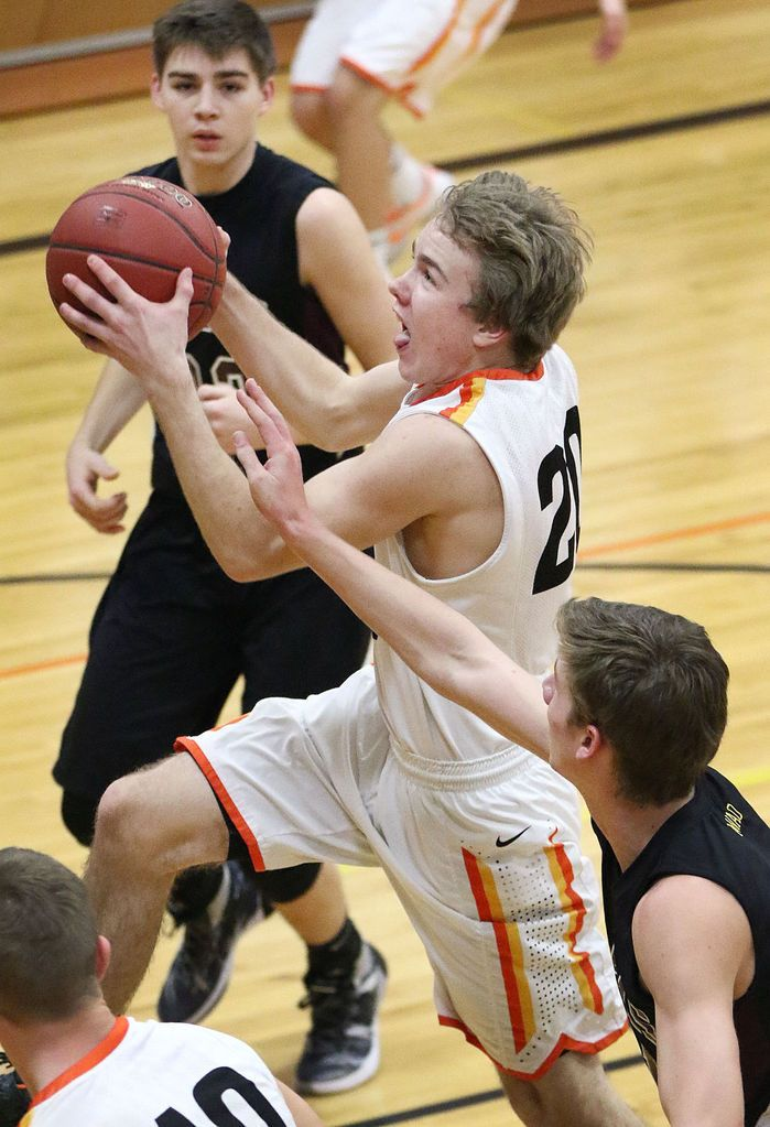 State-ranked Raptors take Western Valley lead : High School - HOLSTEIN, Iowa   With first place in the Western Valley Conference on the line, Ridge View had no time to mope about suffering its first boys basketball loss of the