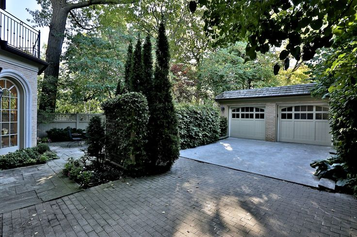 171 Roxborough Drive - Gallery