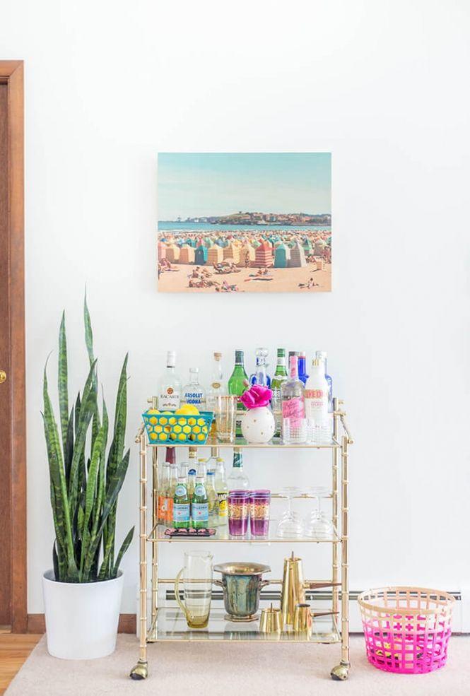How To Style Your Summer Bar Cart | dreamgreendiy.com + @photosdotcom
